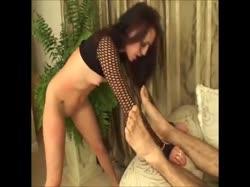 Девушке в сексуальном прикиде вставили длинный ствол в анал 2
