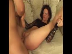 Девушке в сексуальном прикиде вставили длинный ствол в анал 3