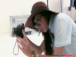 Фотографы присунули члены красивым девушкам 1