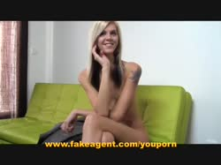 Милая блондинка на порно кастинге прыгает верхом на члене 3