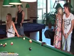 Скриншот для Парни с девушками в бане замутили групповую оргию