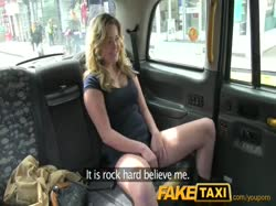 Скриншот для Красивую молодую блондинку таксист отымел здоровым членом