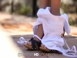 Скриншот для Парочка искупалась голышом и занялась сексом в бассейне