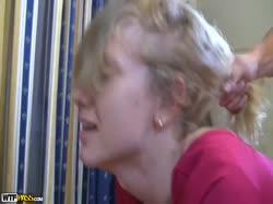 Скриншот для Русскую блондинку в красивом платье парень трахнул в разных позах