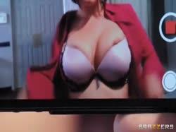 Сисястая докторша замутила с хирургом нереальное порно 1